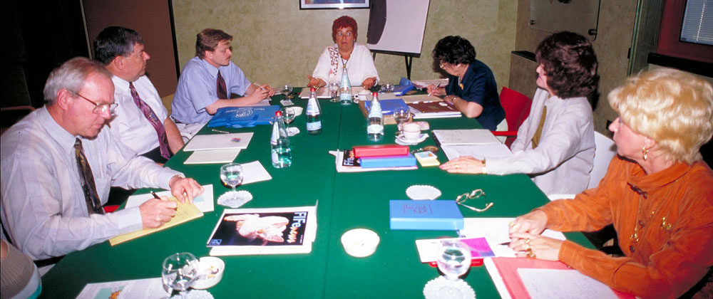 WCC 1996 delegates discuss various topics of mutual interest.